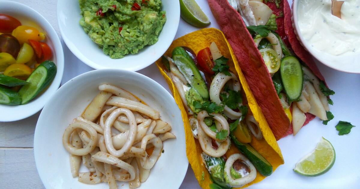 Groenten wrap met kruidige inktvisringen